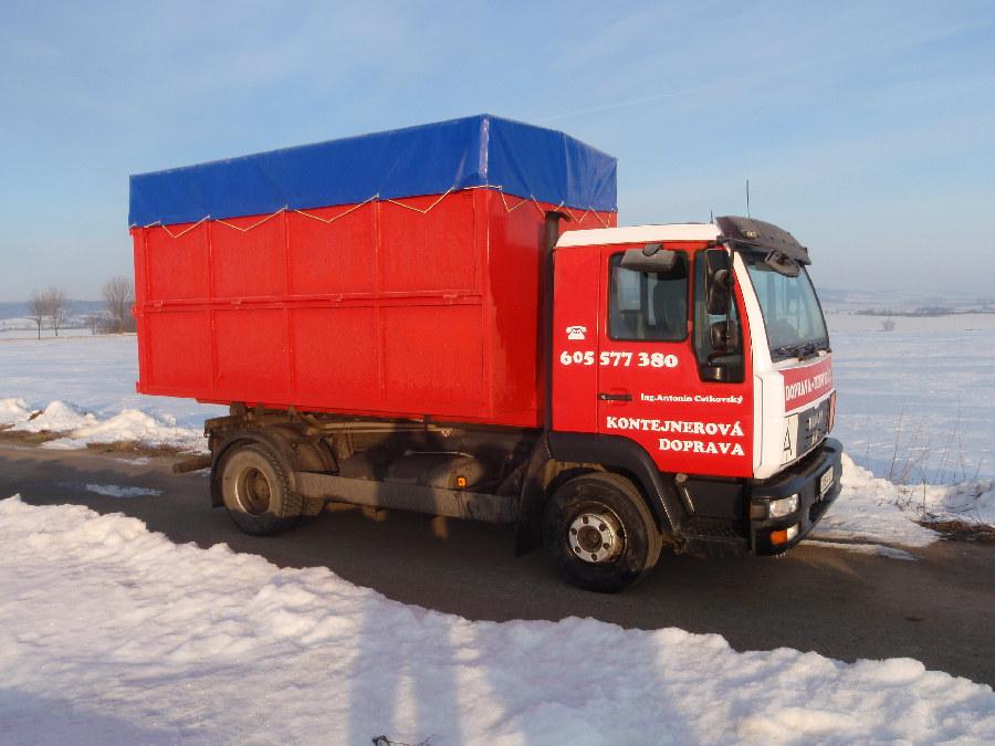 Kontejnerová doprava s rozsáhlou nabídkou přepravovaného obsahu