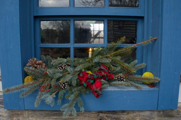 pine-christmas-decoration